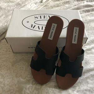 NWT Steve Madden Sandals